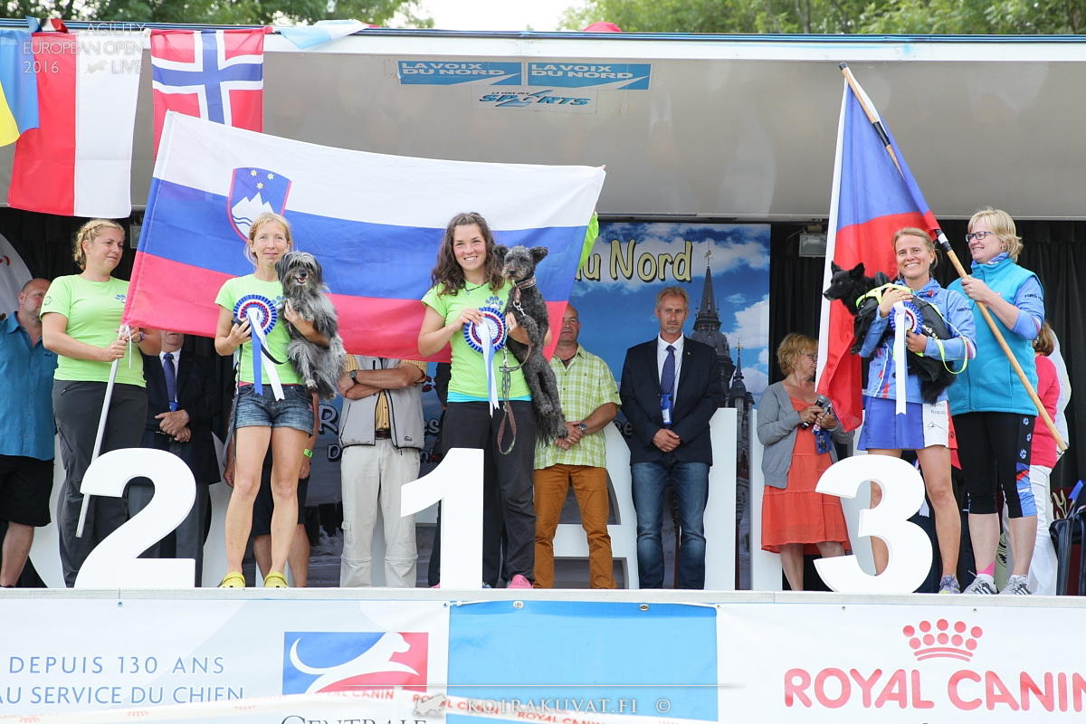 EO2016 - Podium Pumi Minu and Katarina