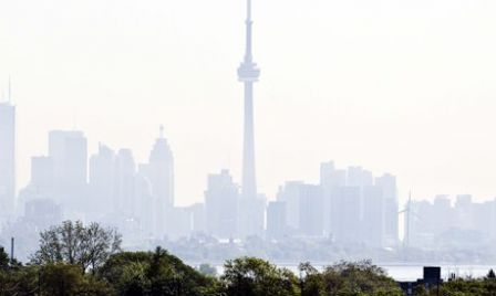 Toronto : Skyline with smog - Photograph: Andrew Francis Wallace/Getty Images